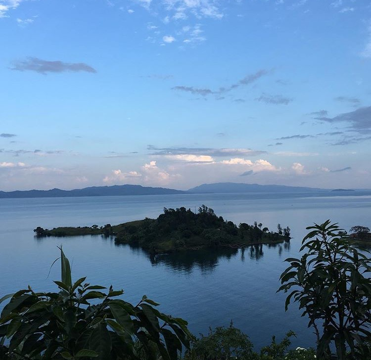 coffeetographer_lake_kivu_specialty_coffee-blogger